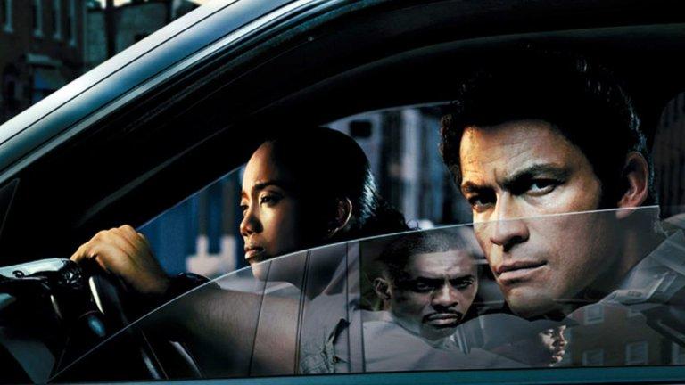 """""""Наркомрежа"""" (The Wire) Сезони: 5 Епизоди: 60   Вечната класика на HBO ще ви отведе в един американски град - Балтимор, щата Мериленд. Ще ви покаже една изключително убедителна картина за живота там, за състоянието на обществото и политиката, докато разглежда теми като търговията с наркотици, борбата на полицията с нея, новинарския бранш и дори управлението на града. В първия сезон ще посрещне Доминик Уест в ролята на детектив Джими МакНълти, а нататък ви чакат още много запомнящи се персонажи със свое собствено място - добро или лошо - в живия организъм на Балтимор."""