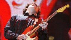 Китаристът Гари Мур си отиде на 58 години в съня си