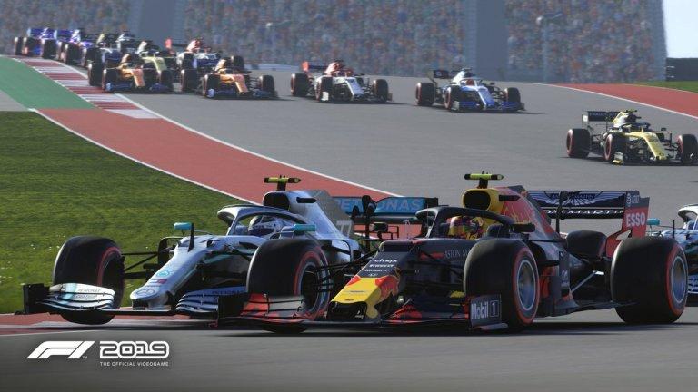 F1 2018  Достатъчно е да споменем, че създателите на играта от Codemasters имат пълния лиценз, осигурен им от Formula One. Това означава, че всичко – от завоите по пистите до стикерите по колите и по екипите на състезателите – е едно към едно с истинската Формула 1. Сюжетът не е особена изненада – трябва да седнете в тясната кабинка на болида и да изпреварите всички ваши съперници.   Около вас обаче се оформя своеобразен наратив, в който преминавате през загуби и през триумфи като един истински състезател. В някакъв момент наистина започвате да се чувствате като състезател от Формулата, най-малкото защото имате шанса да се състезавате с някои от най-големите звезди, а автентичните детайли около вас спомагат допълнително за това усещане.
