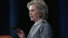 Клинтън празнува историческа победа след Ню Джърси