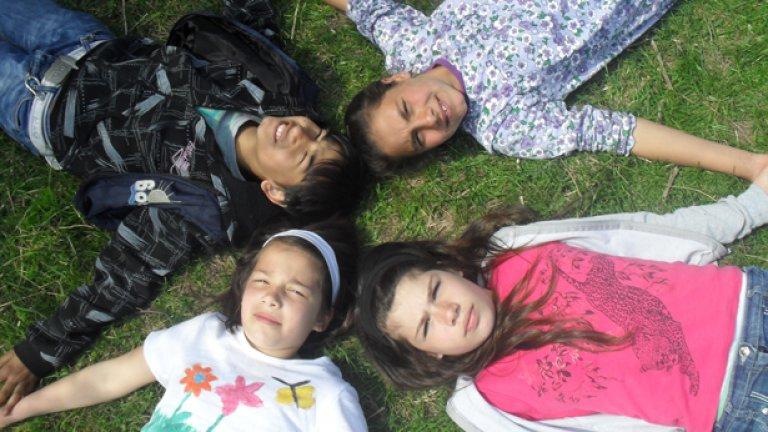 Днешната българска държава отнема на семейството правото да възпитава и образова децата си - чрез 3 закона