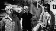 Новият албум на Кийт, Лиъм и Максим (отляво надясно) стартира в британските класации директно от върха
