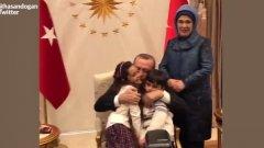 Детето, което разказваше за ужаса на войната в Twitter, се озова в скута на Реджеп Тайип Ердоган
