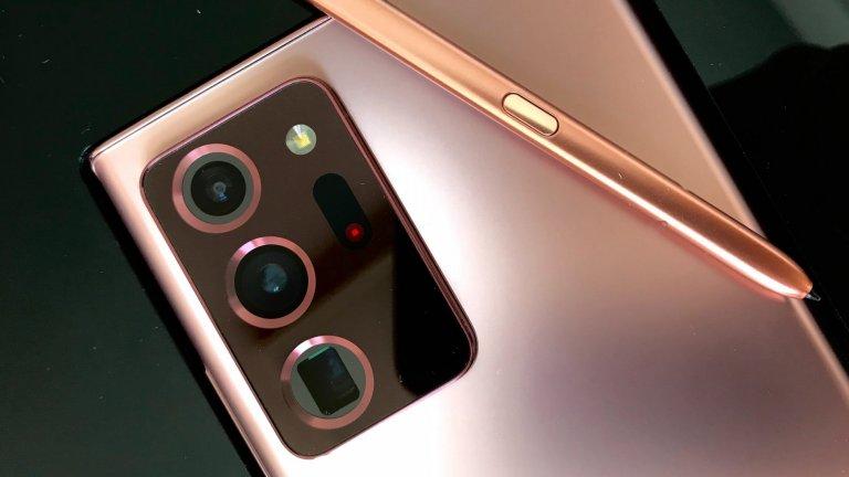 Камера, която надскача обичайните очаквания   Основният сензор на Galaxy Note 20 Ultra е 108 мегапиксела. До него откриваме два 12-мегапикселови сензора - широкоъгълен обектив и телеобектив. В гнездото е разположена и система за автоматичен фокус благодарение на лазер. Функцията Space Zoom вече е способна на 50-кратно увеличение, а тук откриваме и вече познатият режим за снимки при всякакво осветление Night Hyperlapse.