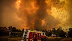 Австралия се бори с най-големите горски пожари от десетилетия