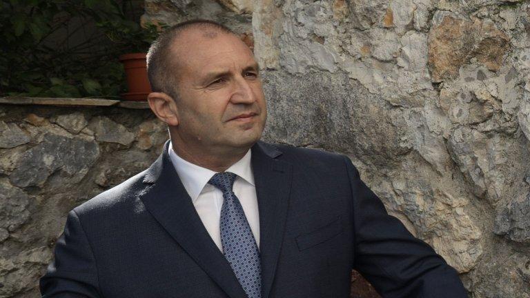 Според държавния глава коментарът на премиера за Навални идва на фона на дефицити на демокрация в България