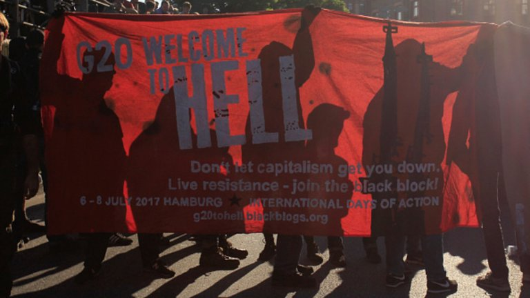 Протестиращите призоваха за съпротива срещу капитализма