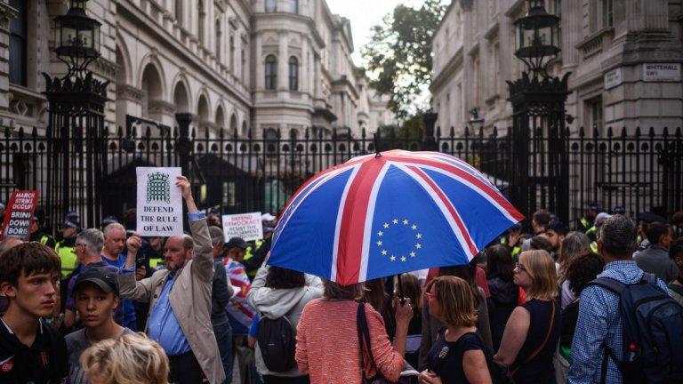 Протести срещу предложението на премиера Борис Джонсън имаше в Лондон и големите градове на страната