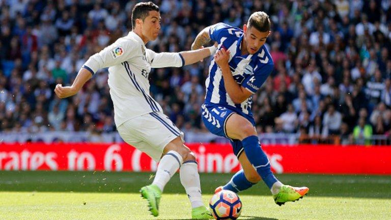 Ляв бек: Тео Ернандес Очаква се Реал да плати 26 млн. евро, или с два млн. в повече, отколкото е клаузата за откупуването му. 19-годишният талант ще се превърне в първия футболист от дълго време, преминал от Атлетико в Реал или обратно. Ернандес ще се бори с Марсело за мястото на левия бек, а хората, които са го наблюдавали, знаят, че е способен да измести бразилеца.