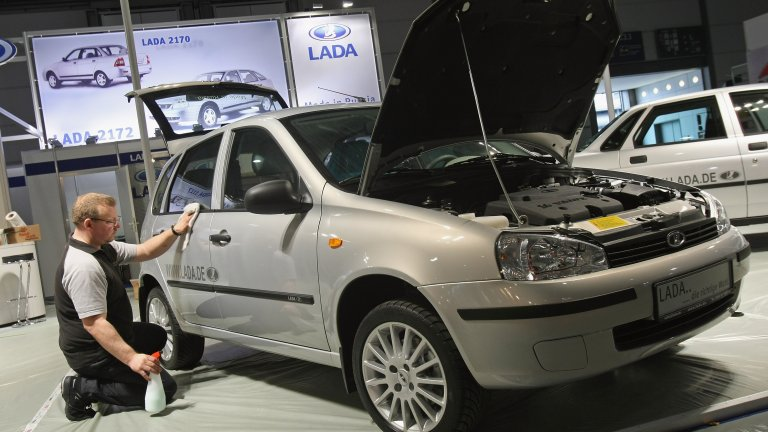 Причината е, че автомобилите не успяват да изпълнят новите стандарти за намаляване на вредните емисии