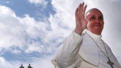 Папата призовава младите да не си губят времето с технологии