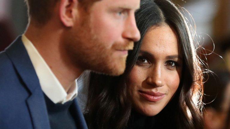 Кралското семейство от десетилетия е основна цел за жълтите вестници във Великобритания, но Хари и Меган са решени да се борят срещу неправомерното навлизане в личния им живот.