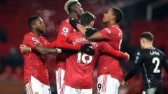 Смешна дузпа изравни Юнайтед с Ливърпул на върха във Висшата лига (видео)