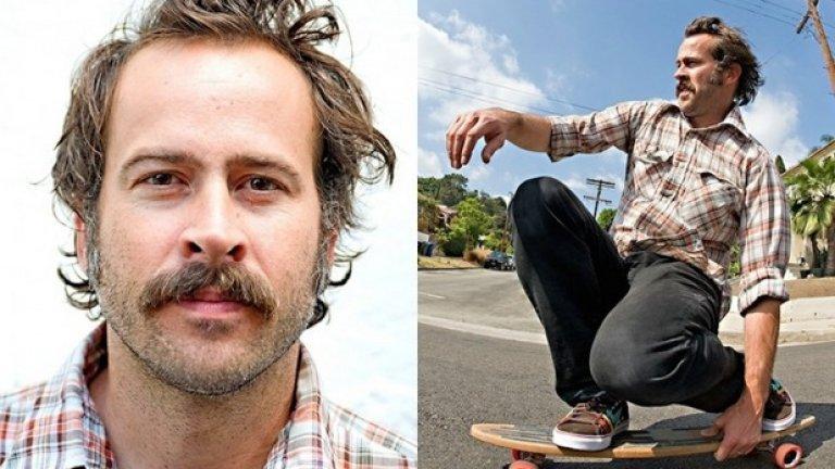 Джейсън Лий е един от най-добрите професионални скейтбордисти, преди да започне да се снима в киното. Звездата от My Name is Earl никога не изоставя скейтборда Той даже основава скейт компания, наречена Stereo Skateboard, която фалира през 2003 година, но той успява да я възкреси отново от пепелта