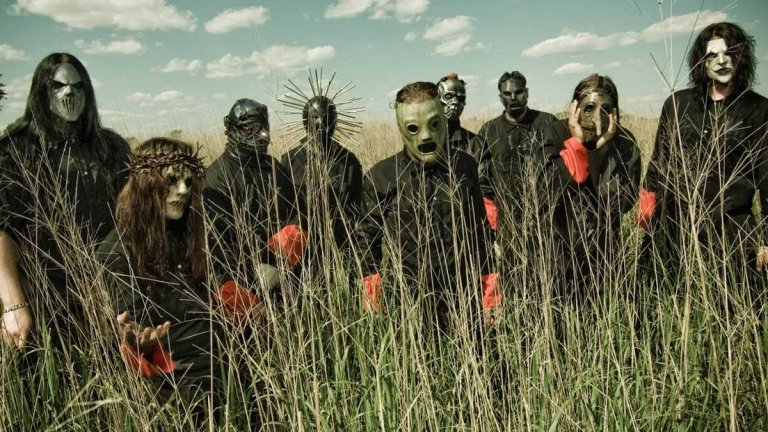 Slipknot – All Hope Is Gone (2008)  Последните записи на Slipknot в класическия им състав за съжаление не отговаряха на потенциала на групата. Две години по-късно басистът Пол Грей почина, а после барабанистът Джоуи Джордисън беше безцеремонно изхвърлен от Slipknot. Тези събития бяха тъжни, но очевидно бандата имаше нужда от промени в края на 2000-те. Песните в All Hope Is Gone носеха твърде малко от въздействието на първите три албума и дори едничкото изключение, мащабната и енергизираща Psychosocial, беше просто по-лошо копие на минали хитове на Slipknot.