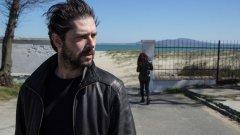 """Премиерата на """"С лице надолу"""" ще се състои на 13 октомври. Три дни по-късно филмът тръгва по кината"""