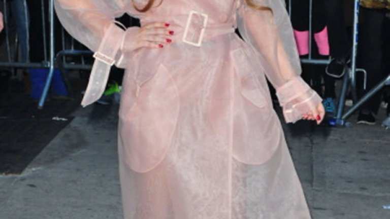 """Дори когато е облечена """"нормално"""", Лейди Гага изглежда предизвикателно"""