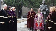 Изборът на нов ректор слага край на кризата в Стопанската академия, продължила близо една година след изтичането на мандата на Величко Адамов