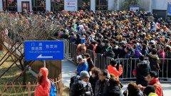 Експерти се опасяват, че Пекин разхлаби твърде рано мерките срещу заразата от коронавирус