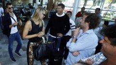 Звездната двойка на тениса предизвика суматоха на летището.