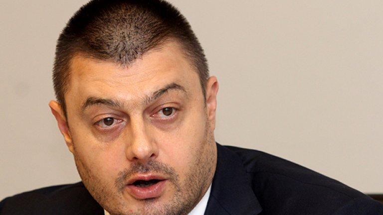 """Бареков обвини НАП в изготвяне на """"откровен предизборен компромат"""", но обеща да си плати невнесените данъци."""