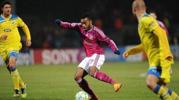 Александър Лазакет, Лион В момента всички големи клубове искат Алекс, но най-вероятно той ще си остане в Лион, поне за още един сезон.