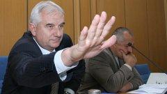 Председателят на СОС Андрей Иванов обяви, че акциите на Столична община в Централни Хали и в Общинска банка са под запор