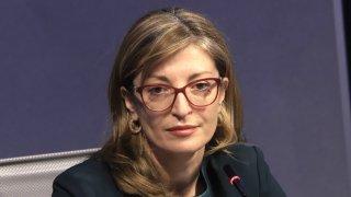 Според Екатерина Захариева в момента опасността е страната да влезе в спирала от избори