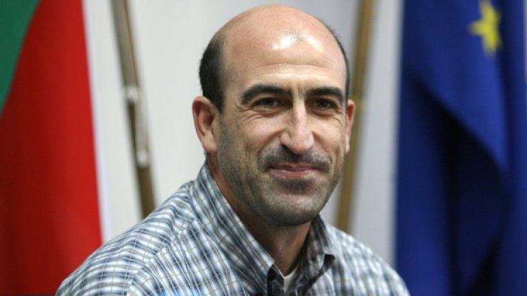 Йордан Лечков - политик и шеф във футбола през 2011-а.