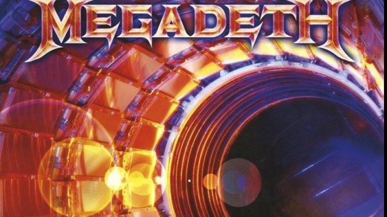 """Megadeth – Super Collider (2013)  Всичко вървеше изключително добре за Megadeth и новият албум след обичания Thirt3en трябваше да е още един голям триумф.  Лидерът Дейв Мъстейн беше успял да съживи бандата през 90-те и да я доведе до златна ера с няколко платинени албума, но доста по-скорошният Super Collider се оказа зловещо разочарование. Скучноват и банален, без никакви дръзки ходове и желание за разширяване на хоризонтите на бандата, албумът някак опитваше да върне Megadeth чак към основите на хард рока, но не успя да грабне и най-отдадените фенове. Следващият албум Dystopia обаче беше далеч по-успешен и даже донесе на траш метълите първата им награда """"Грами""""."""