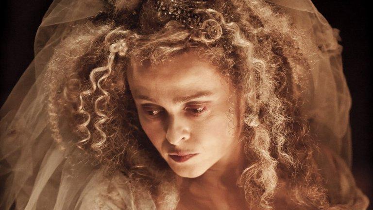 """Хелена Бонъм Картър   Ако трябва да се изиграе вещица или жена от XVIII-ти век с разчорлена коса – Хелена Бонъм Картър е правилният избор. Тя влиза в този образ и в кошмарите на малките деца с куп филми като поредицата за Хари Потър, психеделичната екранизация по """"Алиса в страната на чудесата"""", """"Суини Тод"""". Трябва да признаем все пак, че чаровната британка също има своите различни превъплъщения като това в """"Речта на краля""""."""