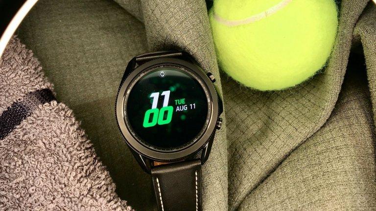 Galaxy Watch3 - новият помощник за идеално здраве и форма    Съюзник за добро здраве, спорт и фитнес - смарт часовникът е именно това. Разполага с функция за следене на кислорода в кръвта, такава за следене начина на бягане и оптимизацията му и функция за проследяване на кардио параметрите. Насреща е и познатия на потребителите на марката Samsung Health, в който има над 120 различни спортни програми, които да зададеш на Galaxy Watch3 и да упражняваш.