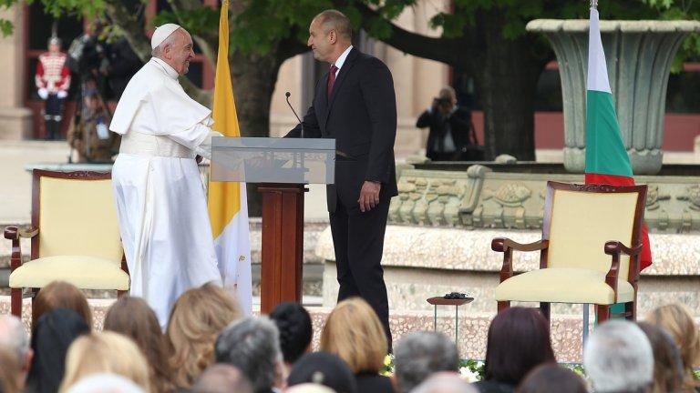 Папа Франциск: Нека България да предложи на децата си бъдеще на надеждата