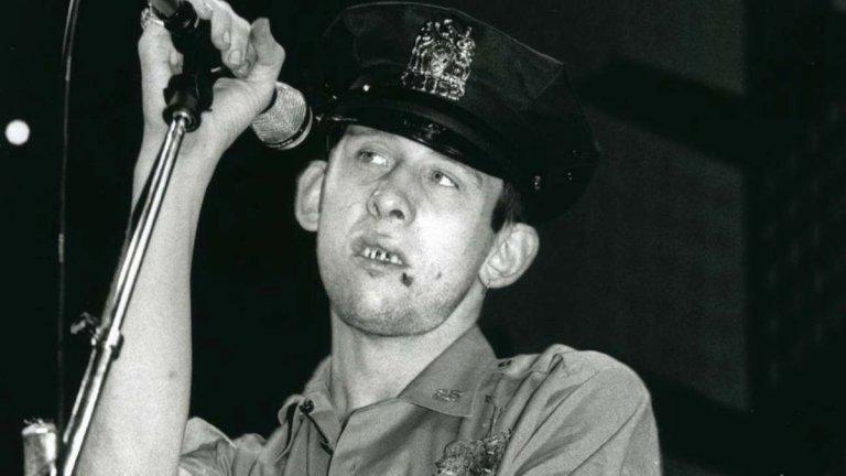 """""""Наздраве за Шейн Макгоуан""""  Документалният филм ни потапя в живота на скандалния ирландски музикант Шейн Макгоуан, автор на текстовете и вокалист на групата The Pogues. Лентата съчетава архивни кадри и анимация, които създават трогателен портрет на култовия фронтмен. В центъра на филма е честването на 60-ия рожден ден на Макгоуан, когато звезди от рок сцената се събират, за да почетат неговото творчество."""