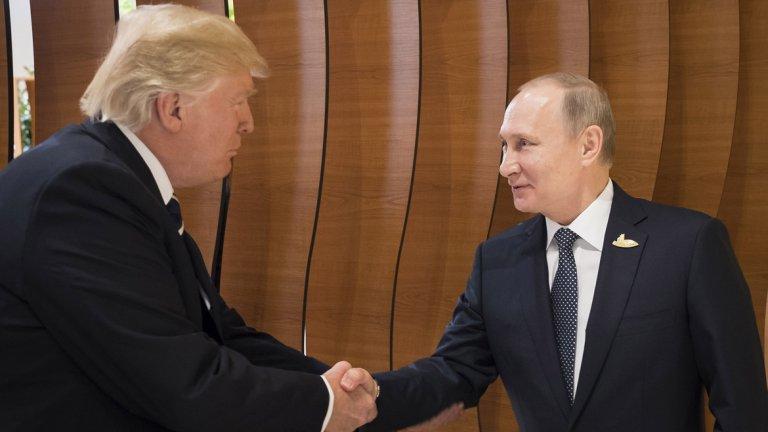 След дългия първи разговор на четири очи между Владимир Путин и Доналд Тръмп, Путин заяви, че е обсъдил с американския президент ситуацията в Украйна, Сирия, борбата с тероризма, както и киберпрестъпността.