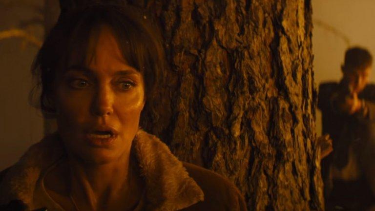 """""""Те пожелаха смъртта ми"""" (Those Who Wish Me Dead) Кога: 14 май Къде: кината  Анджелина Джоли се завръща на екран в нео-уестърн трилъра на Тайлър Шеридан (""""Сикарио"""", Hell or High Water). Дете става свидетел на това как двама наемни убийци ликвидират баща му. Момчето успява да избяга в гората, където попада на Хана (Джоли) - бивш пожарникар, преследвана от спомените за грешките си. Хана и детето вече се превръщат в обща цел за преследвачите, които освен всичко друго запалват гората. Шеридан е доказал, че може да разказва качествени истории на екран и с интерес очакваме този му филм."""