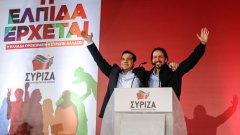 """Също като Ципрас, лидерът на """"Подемос"""" Пабло Иглесиас не носи вратовръзка. И също като Гърция, през декември Испания може да стане втората страна в Европа, която избира извънсистемна радикална партия да я управлява.   Вижте в галерията кои са партиите на Стария континент, които получиха коз след референдума в Гърция"""