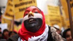 На десетия ден от протестите от т.нар. втора вълна в Египет започват избори, които ще траят три месеца
