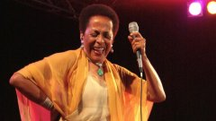 Перуанската вълшебница Сусана Бака ще пее отново в София на 18 май