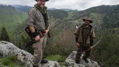 """България е една от петте страни в света, където е сниман първият сезон на """"Кралете на дивото"""". Освен околностите на Девин, екипът на Discovery Channel е посетил и непознати кътчета в Мексико, Китай, Борнео и Финландия"""