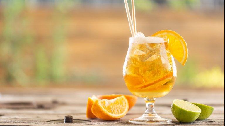ШандиТози лек бирен коктейл е идеален за топлите дни и повече от лесен за приготвяне. Необходима ви е светла бира, лимонада, лимони и лед. Съотношението зависи от личните вкусове, макар че в оригинала се спазва пропорция 50 на 50. Вместо лимонада можете да използвате джинджифилова бира или радлер.