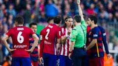 """В последния мач между двата тима на """"Камп Ноу"""" Атлетико доигра срещата с девет човека, а каталунците успяха да обърнат, благодарение на голове на Лионел Меси и Луис Суарес, след като Коке бе открил за гостите."""