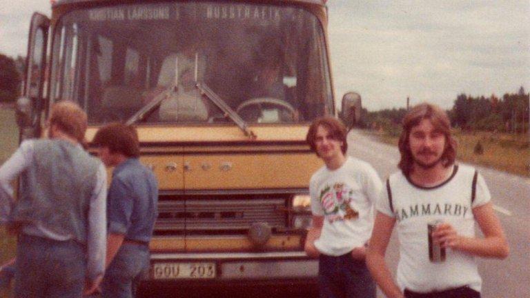 Фенове на шведския Хамарби пътуват за гостуване през 70-те. Култова снимка.