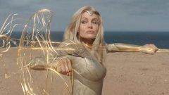 """Отлична новина за киносалоните по света (на снимката: Анджелина Джоли в предстоящия супергеройски екшън """"Вечните"""")"""