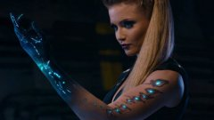 Ксения е способна да манипулира водата и е женският персонаж в руските Пазители