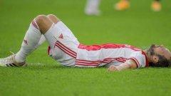 Бивша звезда на Юнайтед припадна на терена, имаше съмнения за инфаркт