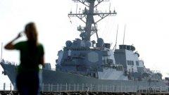 Разрушителят USS Ross е прихванат от руски Су-24
