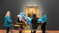 Преди месеци умираща 78-годишна жена пожела да види най-новата изложба на Рембранд в Амстердам