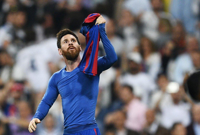 7. Лионел Меси (604 гола)  За единствения клубен отбор в кариерата си Барселона, Меси е отбелязал 604 гола дотук само в 692 мача. Контузия му попречи да статира силно настоящия сезон, но той има време да навакса и отново да достигне обичайната си ефективност. На 32 г. аржентинецът изглежда има още поне няколко години пред себе си на топ ниво, в които да се изкачи нагоре в тази класация.