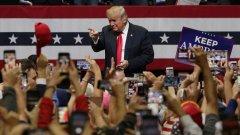 Агитацията на президента служи най-вече на него самия